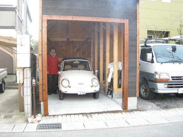 ガレージとスバル360